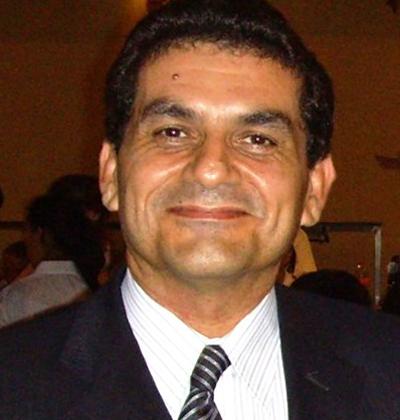 <span>Jefe de Servicio de Nefrología San Pedro, Docente Universidad Nacional de Rosario, Consejero Cono Sur de SLANH, Ex Presidente de la Sociedad Argentina de Nefrología. Argentina</span>