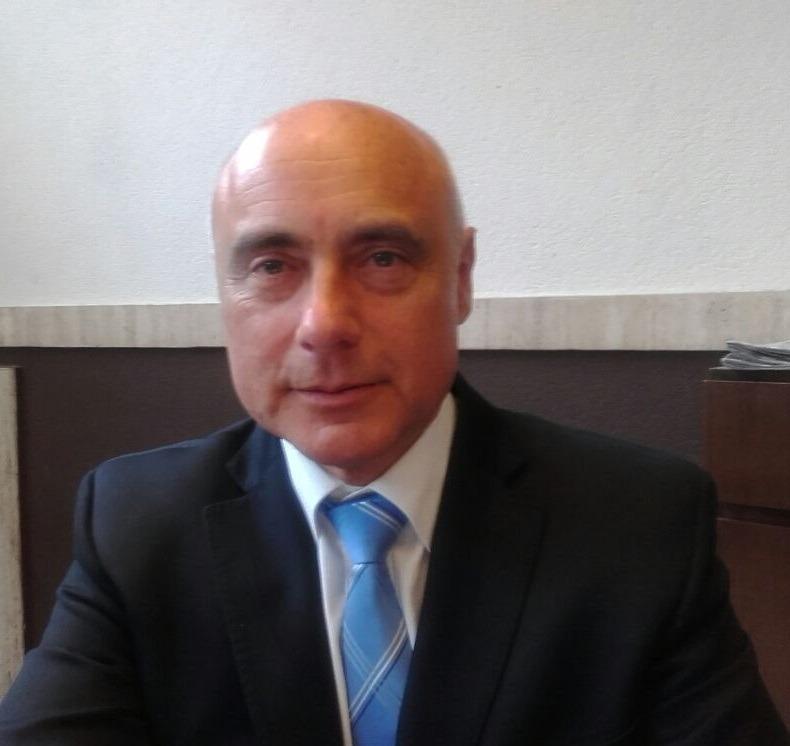 Dr. Carlos Bonelli