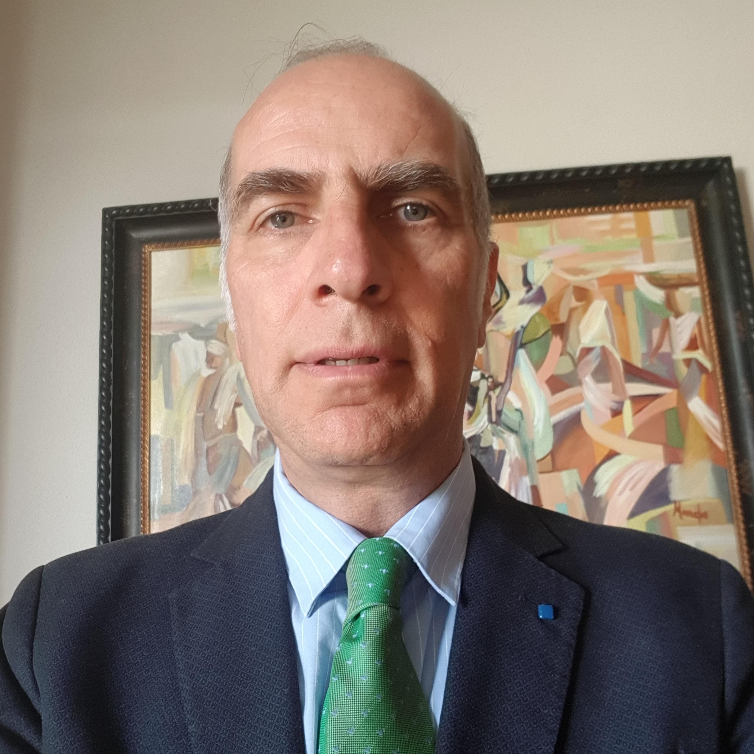 Dr. Alejandro Chevaile Ramos
